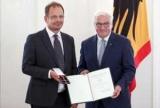 Автор фильмов о допинге в России получил орден в Германии